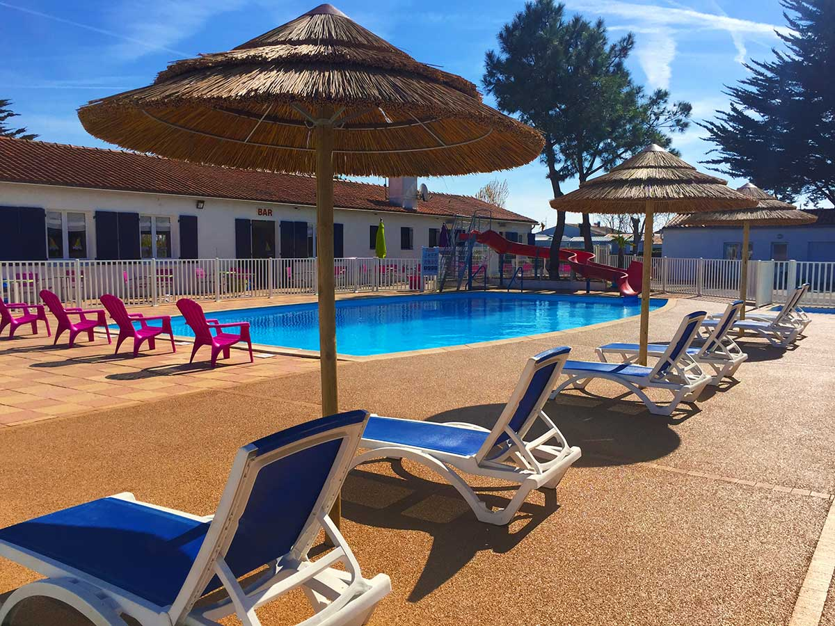 Camping 4 toiles les violettes camping la tranche sur mer for Camping hardelot plage avec piscine