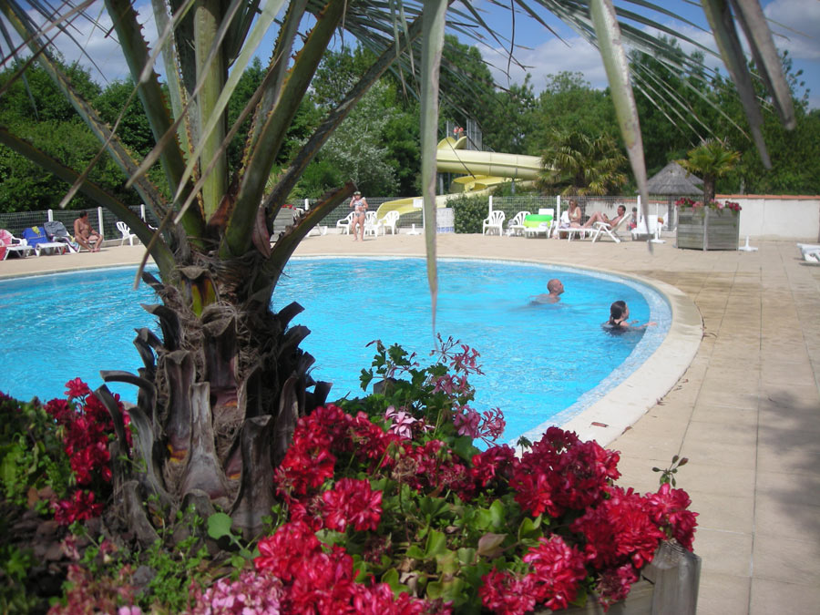 Camping 5 etoiles bord de mer for Camping bord de mer herault avec piscine