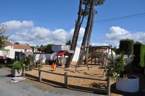 l'aire de jeux-enfants du camping