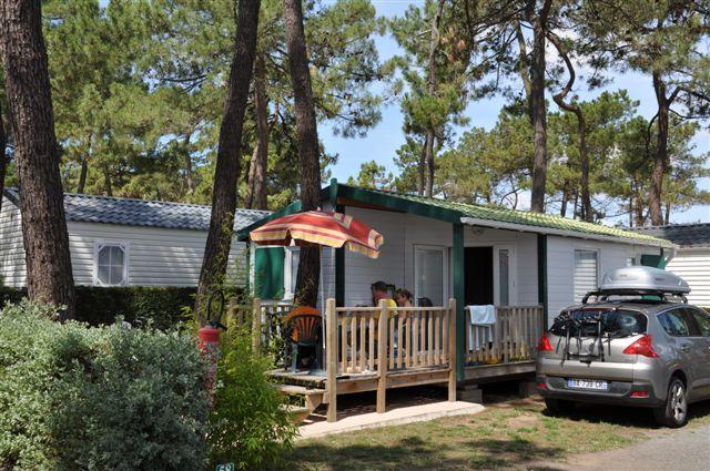 un chalet du camping la Pinède 2 étoiles