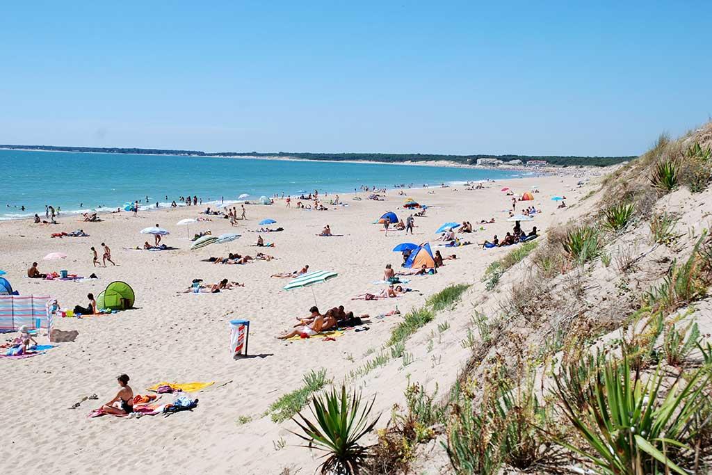 la plage près du camping la Frétille